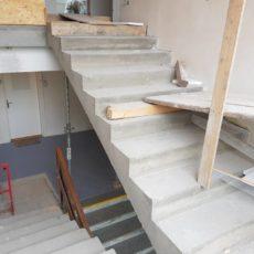 Schodiště administrativní budovy Prosek 2018